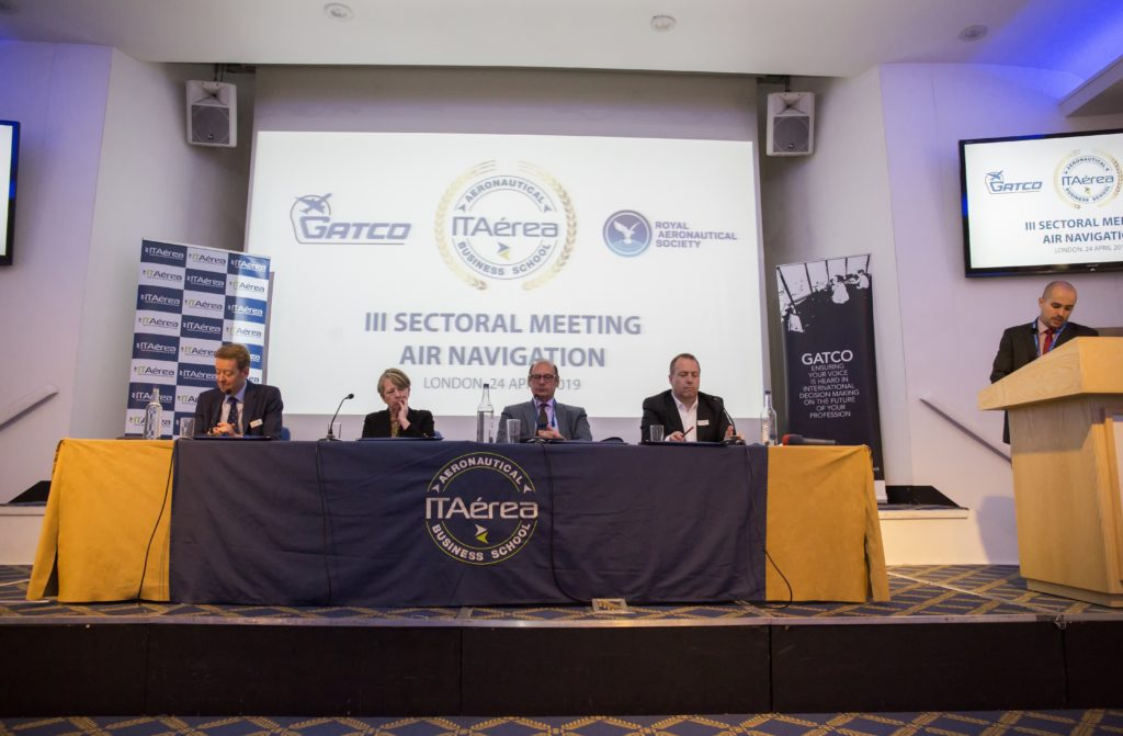 CM B1432 1024x671 - Highlights of the III Sectoral Meeting on Air Navigation organised by ITAérea in the Royal Aeronautical Society, London