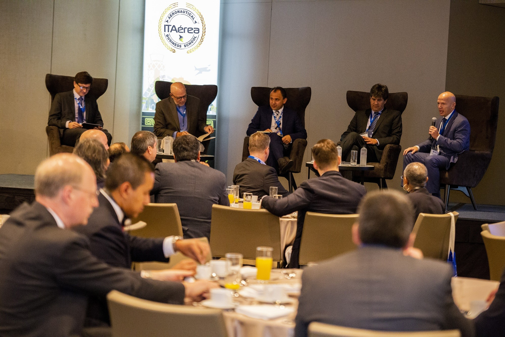 WBPs Breakfast and CEOs Panel ITAerea00402 - IV Sector Meeting: Airports