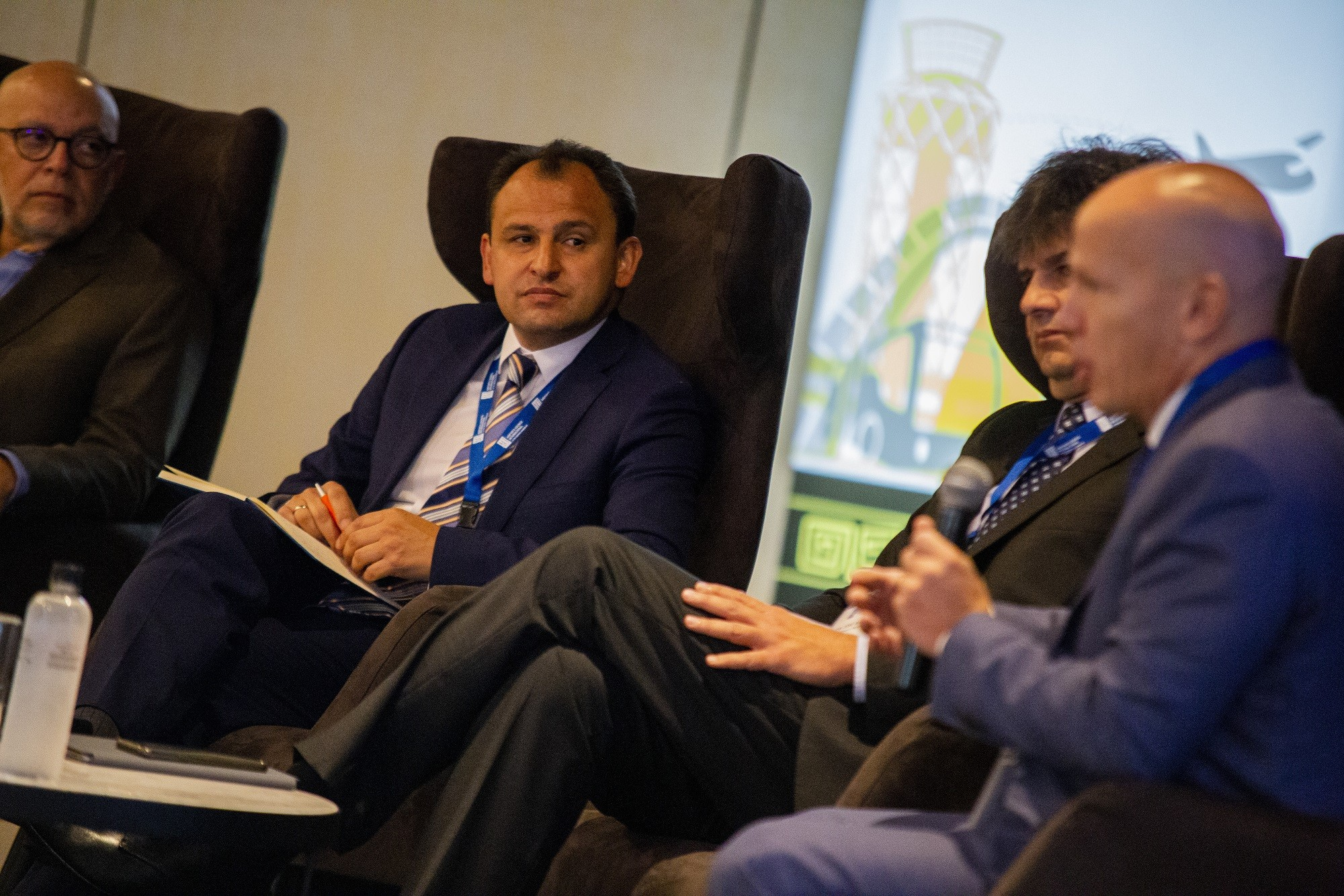 WBPs Breakfast and CEOs Panel ITAerea0042 - IV Sector Meeting: Airports